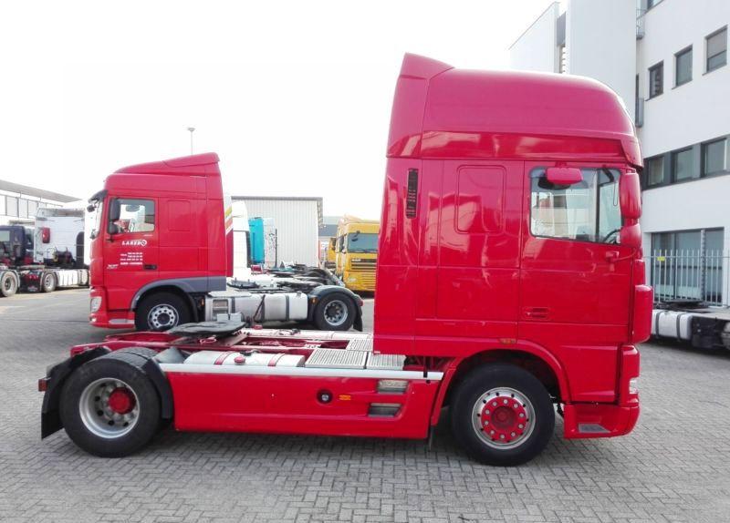 Ремонт двигателя грузовика Даф